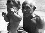 Picasso and his son. Foto: Robert Capa